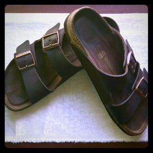Unisex Birkenstock Oiled Leather Sandals!